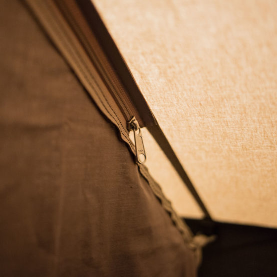 Piramide tent ritssluiting
